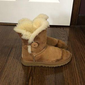 Ugg chestnut bailey button sheepskin boots size 7